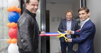 Nieuwbouw huurwoningen voor studenten op de Herensingel geopend door wethouder Laudy